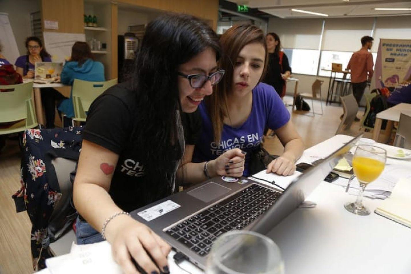Continúan las inscripciones para las Colonias Tecnológicas para adolescentes y adultos