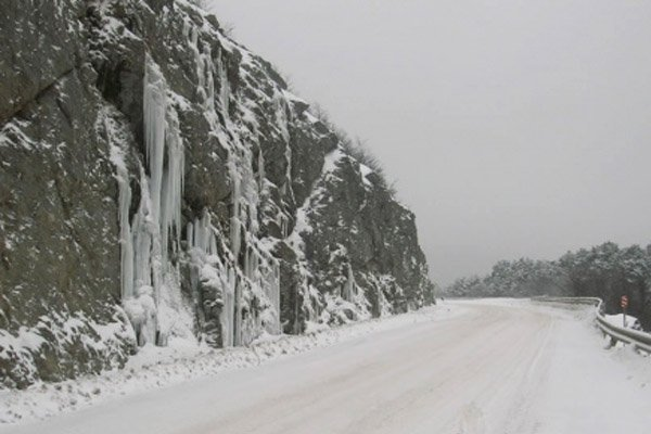 Intensas nevadas cubrieron el Paso Garibaldi.
