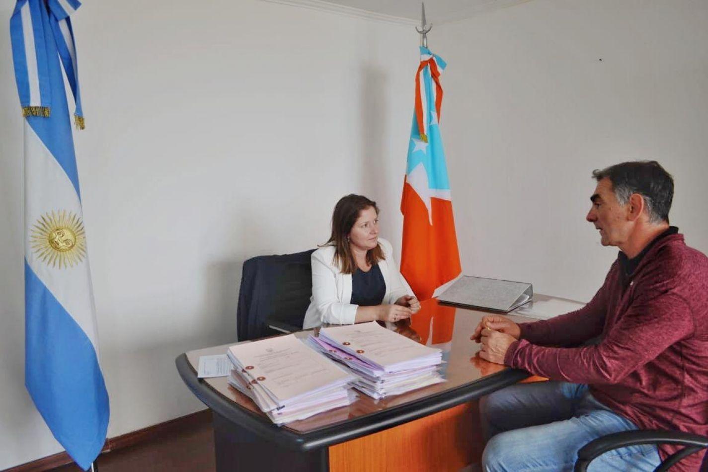 La secretaria de Justicia, Daiana Freiberger se reunió con el Presidente de la Unión de Rugby de Tierra del Fuego, Sergio Amaya.