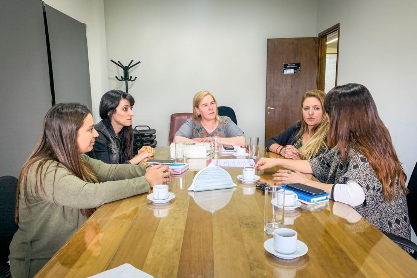 Reunión de la Secretaria de la Mujer del Municipio con la Cámara de Comercio