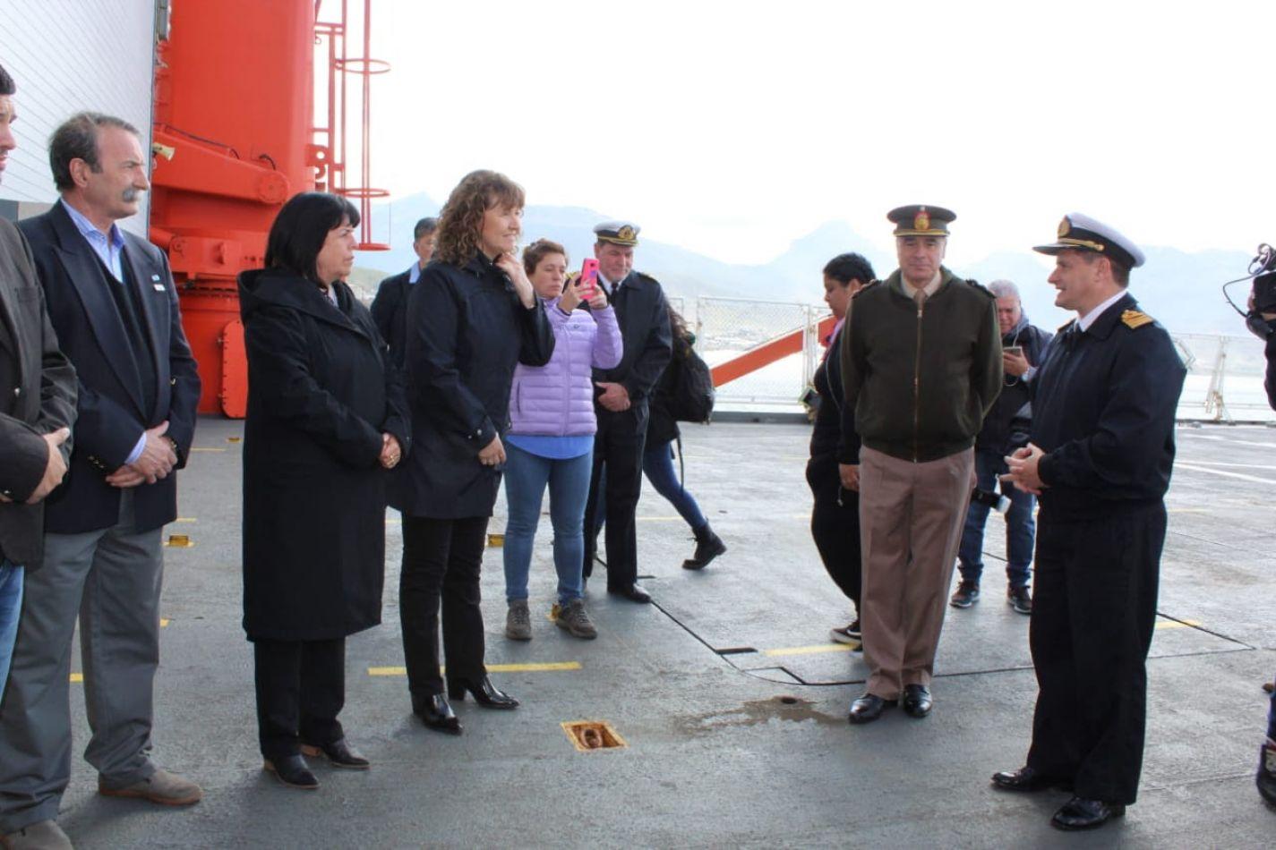 La vicegobernadora Urquiza visitó el rompehielos ARA Almirante Irízar