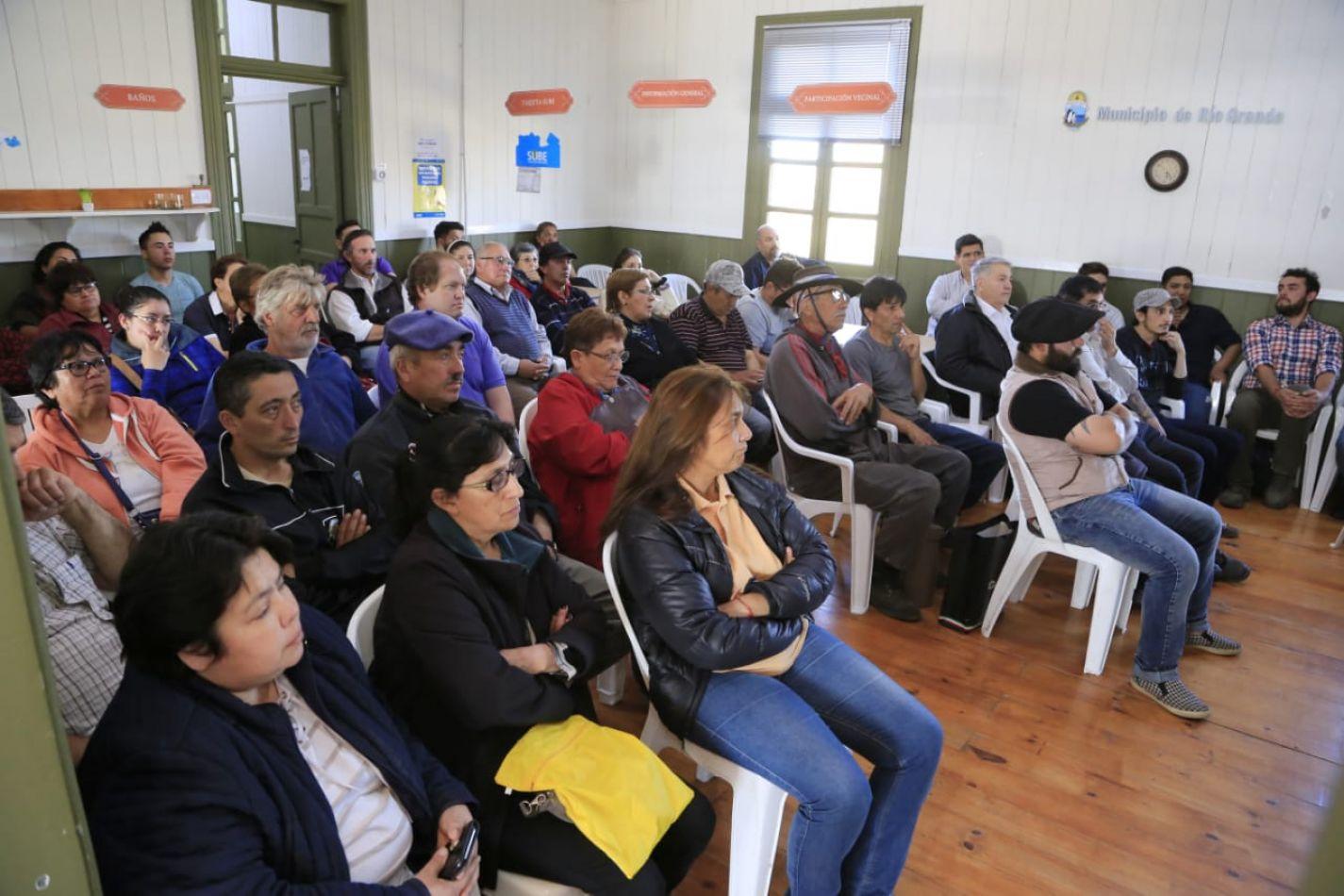 El equipo de Desarrollo Económico y Ambiente del Municipio mantuvo un encuentro con productores hortícolas de nuestra ciudad.