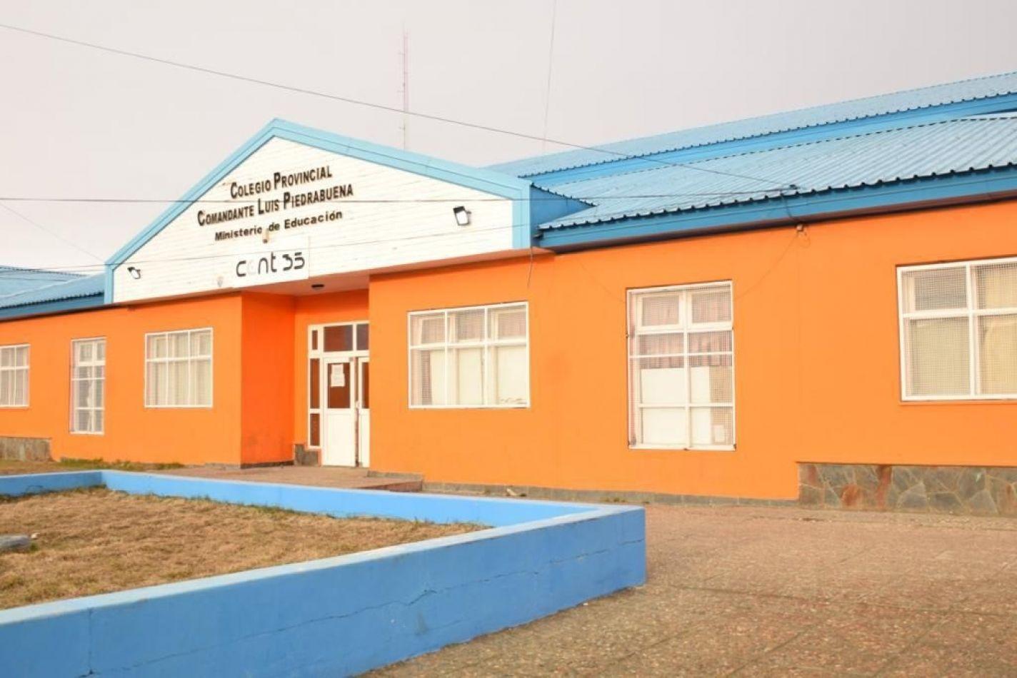 Colegio Comandante Luis Piedrabuena.