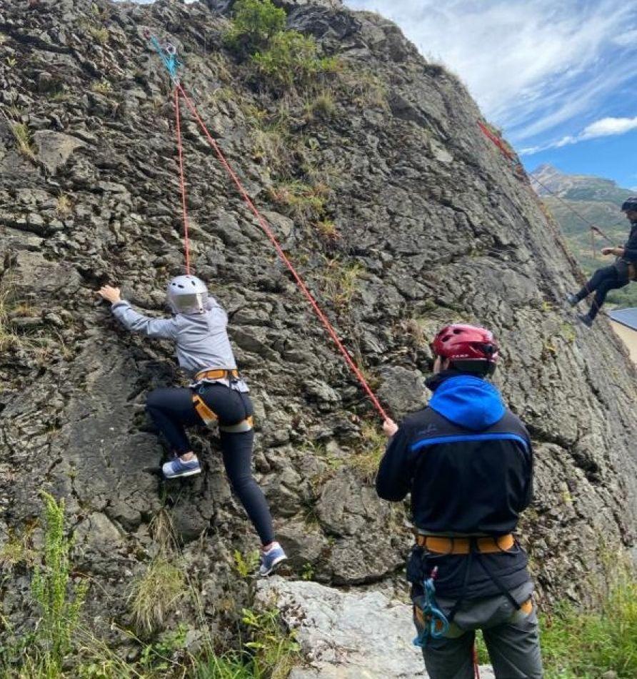 Se realizó la primera clase de escalada deportiva