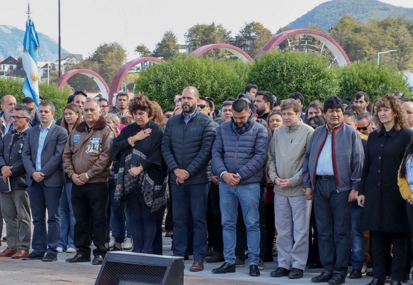 Con la presencia de Evo Morales, homenajearon a los caídos en Malvinas.