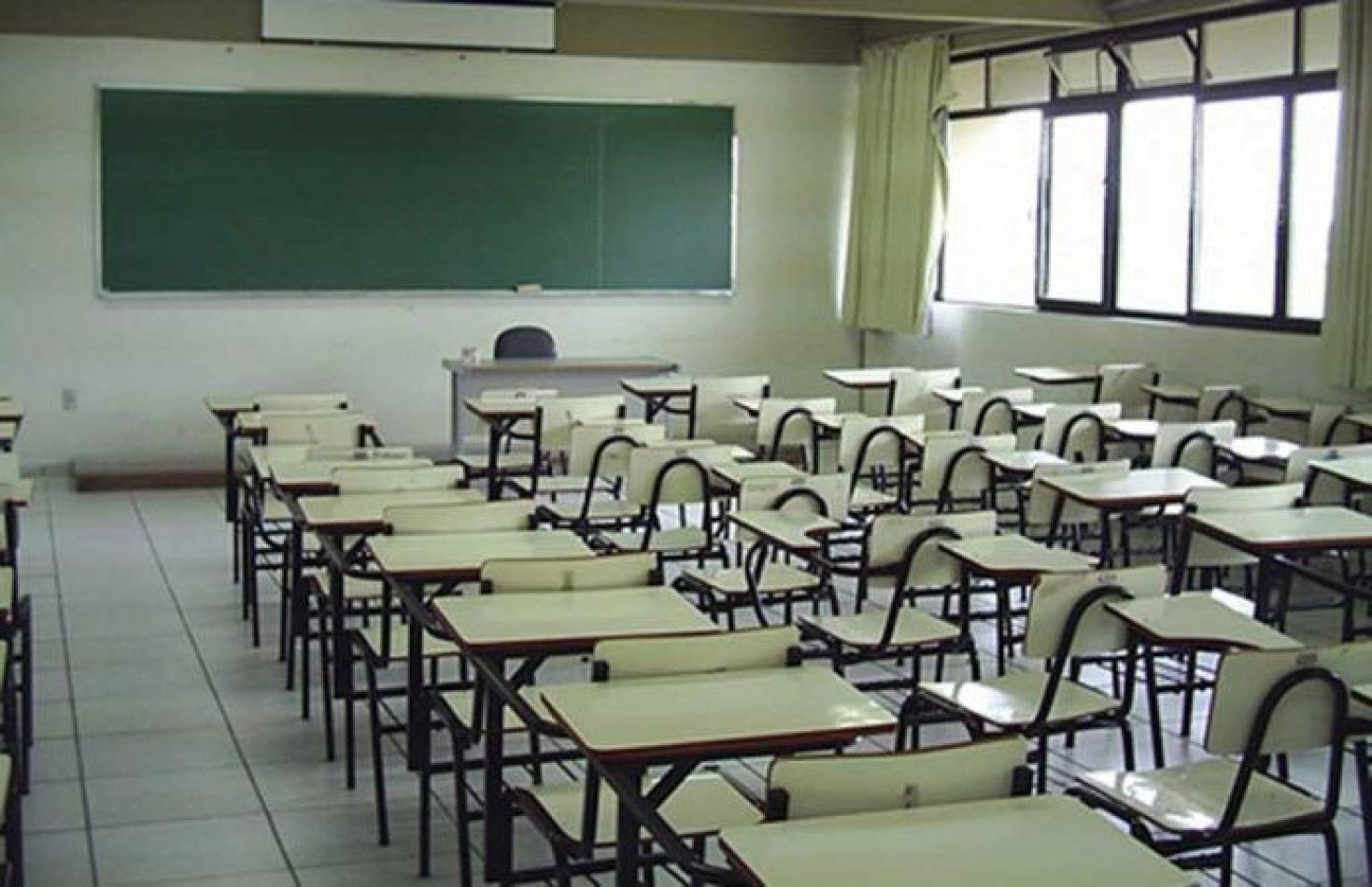 Gobierno prolongaría la suspensión de clases