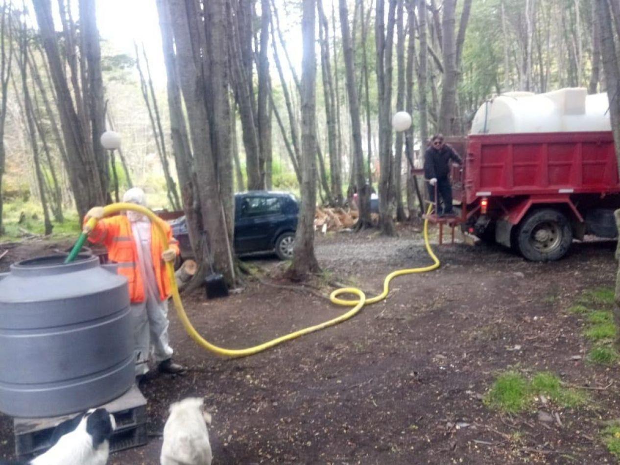Provisión de agua con cuidados especiales para trabajadores del municipio de Ushuaia