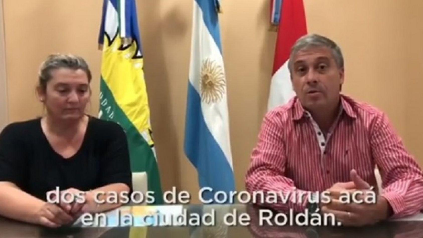 La secretaria de Salud Elizabeth Trevissón, junto al intendente de roldanense José Pedretti.