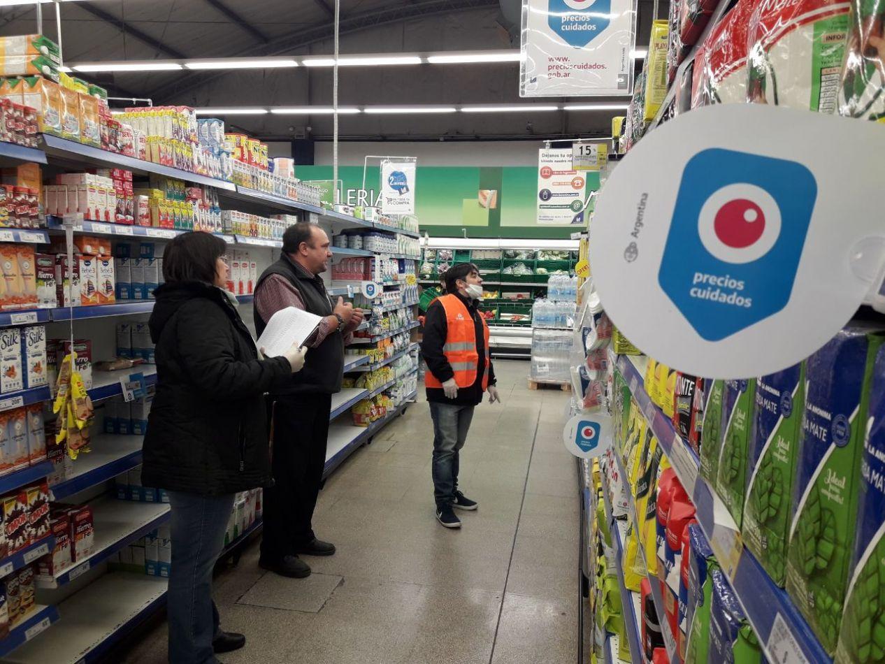 Se realizan controles en un supermercado de la ciudad de Río Grande