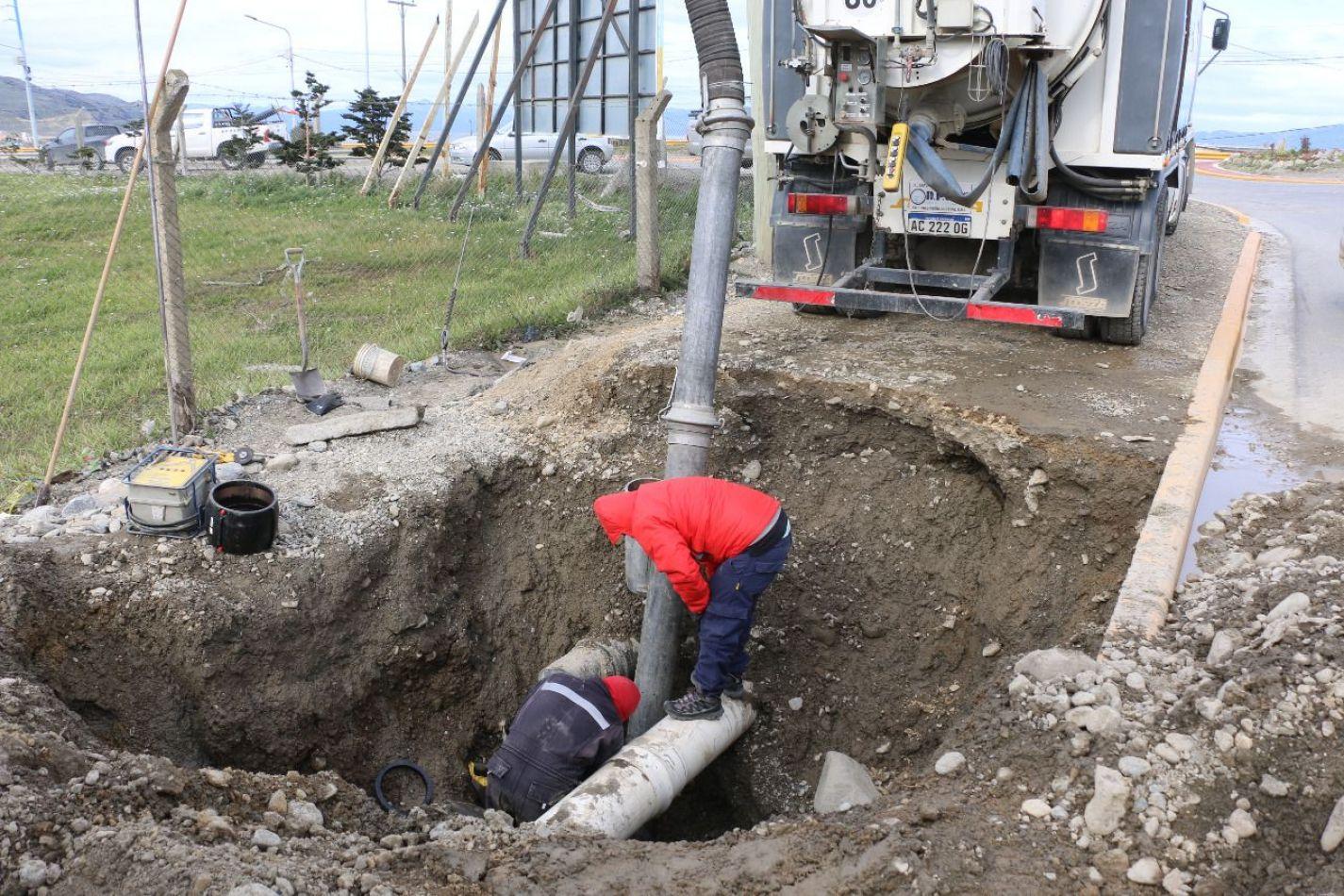 La Dposs continúa atendiendo situaciones urgente que afecten a la red  de agua potable
