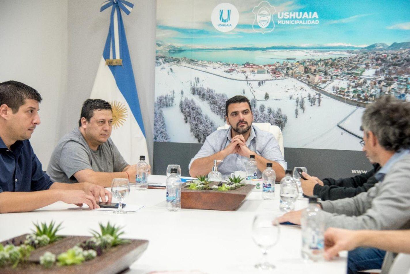 Reunión para evaluar la marcha de las acciones de prevención mitigación en Ushuaia