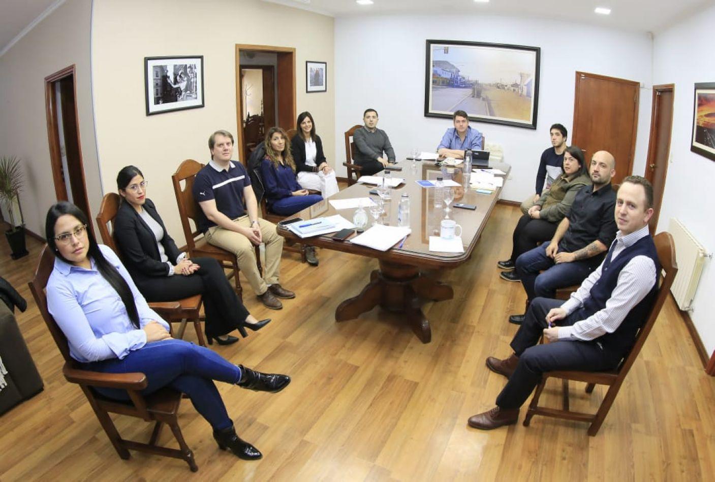 Perez y su gabinete analizaron la gestión de la emergencia sanitaria, económica y social de la ciudad