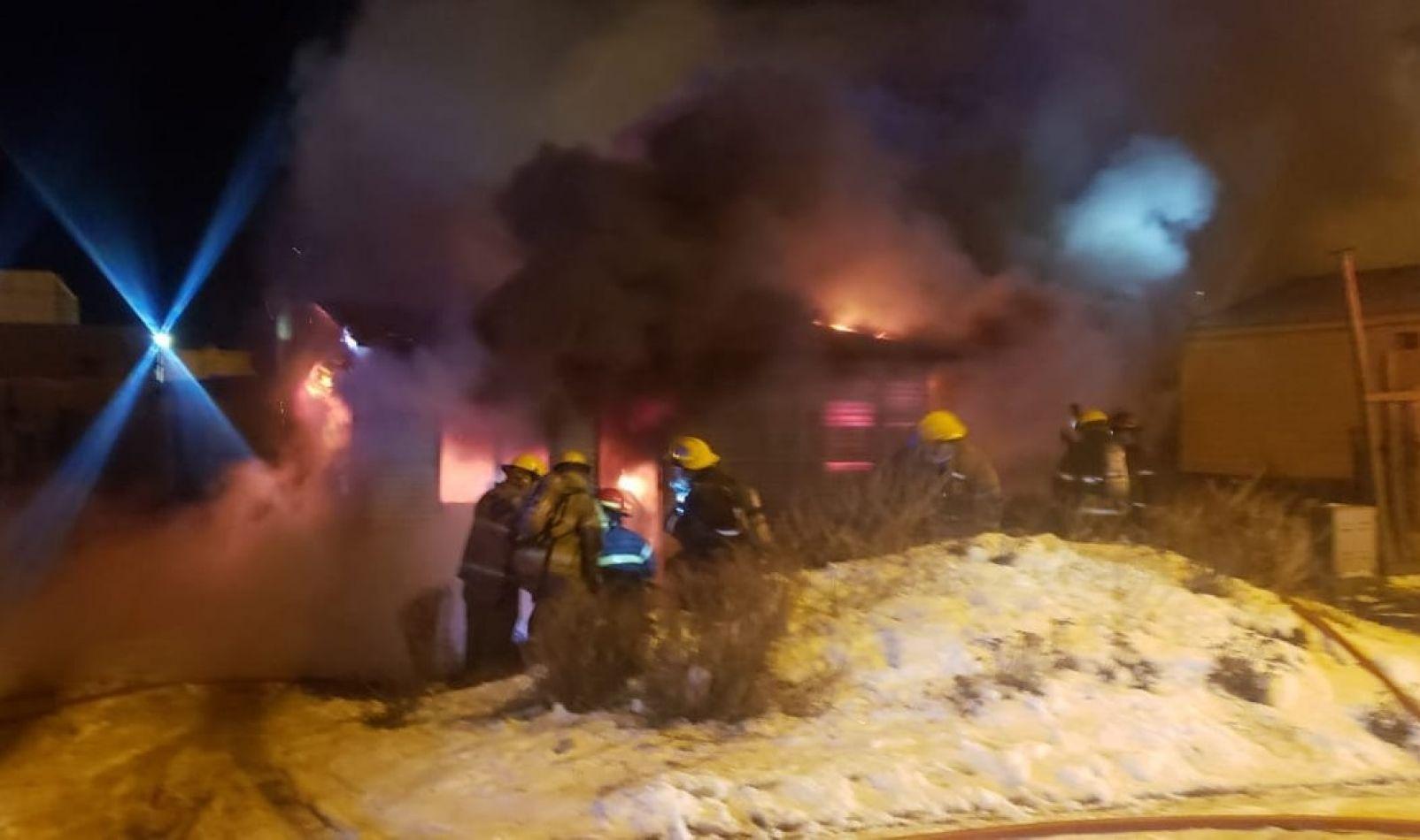 Una vivienda fue consumida por el fuego