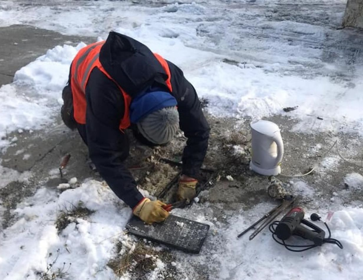 asistencia a los hogares de la ciudad, ante el congelamiento de las instalaciones de agua de los vecinos