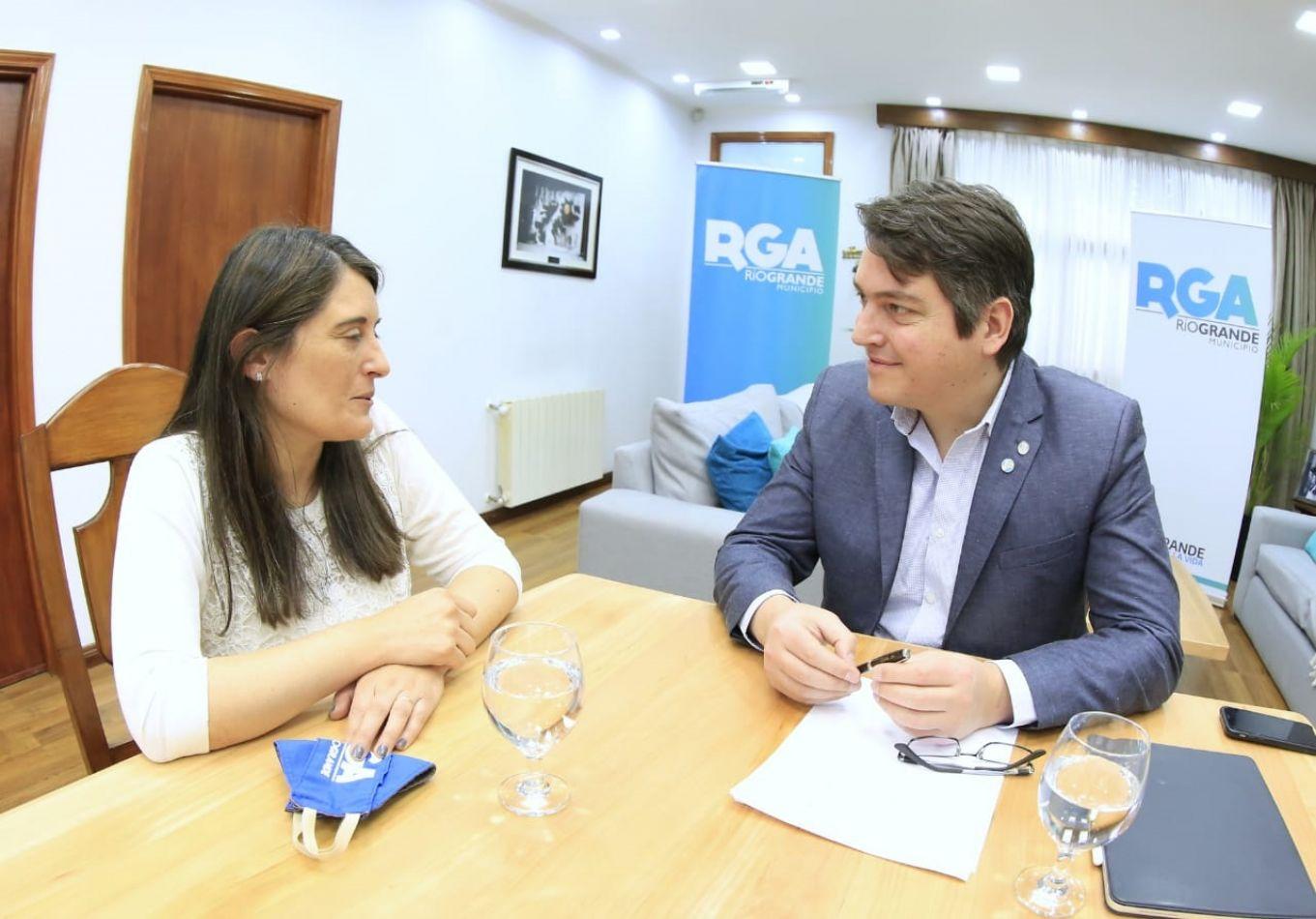El Intendente tomó la decisión de designar a cargo de la Secretaría a la Dra. María Eugenia Cóccaro