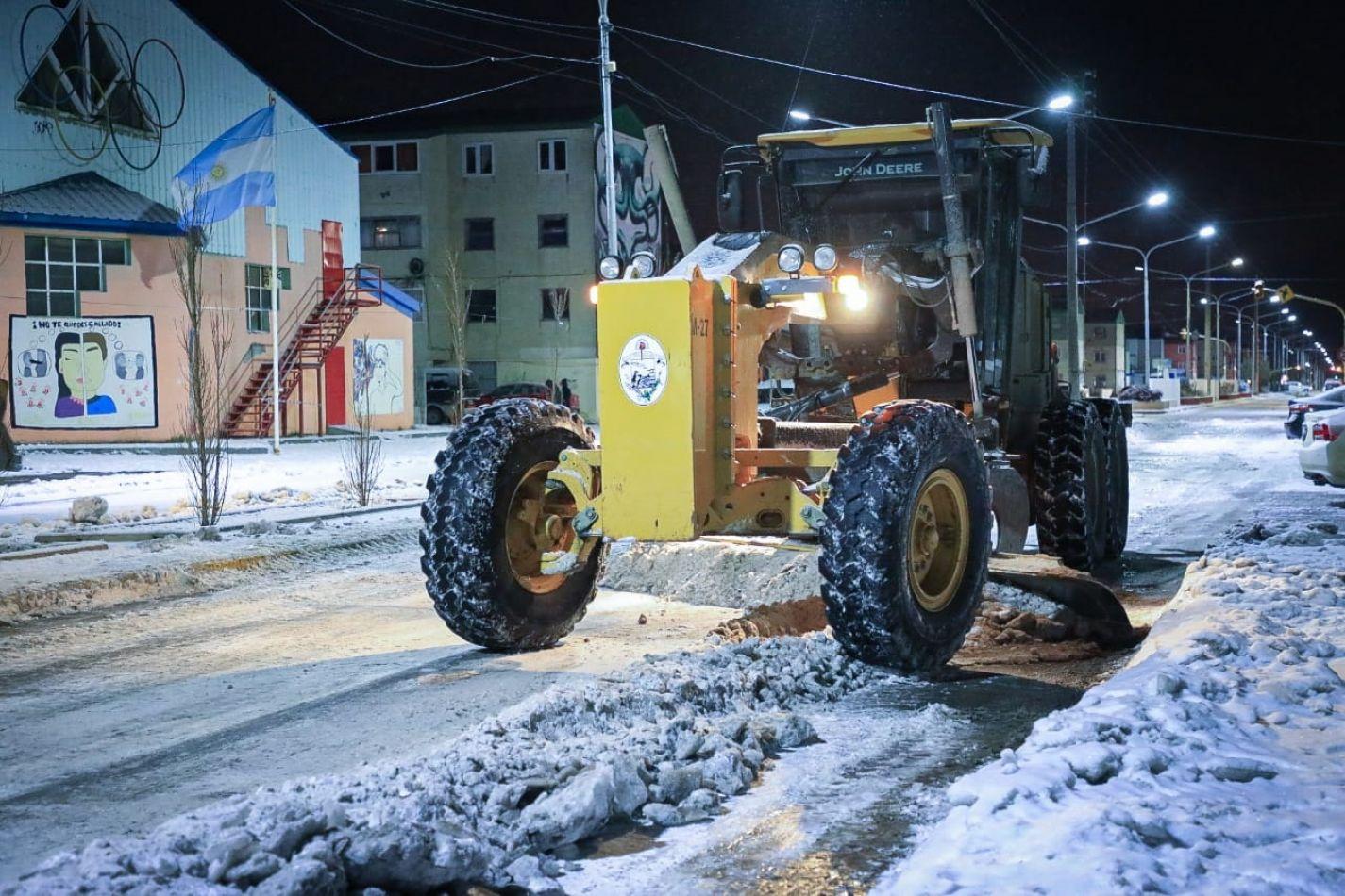 El Intendente destacó la tarea de los trabajadores municipales en un operativo histórico