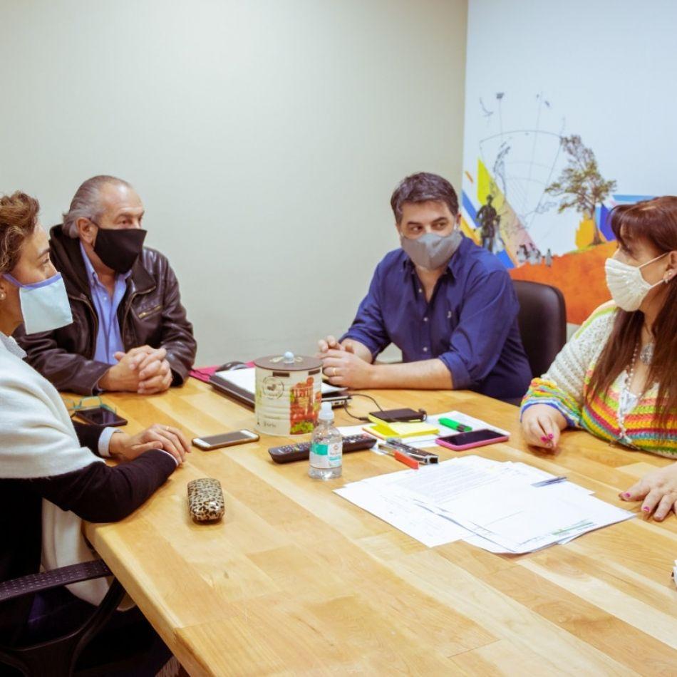 Reunión de trabajo para concretar la licitación de la pavimentación del Parque Nacional