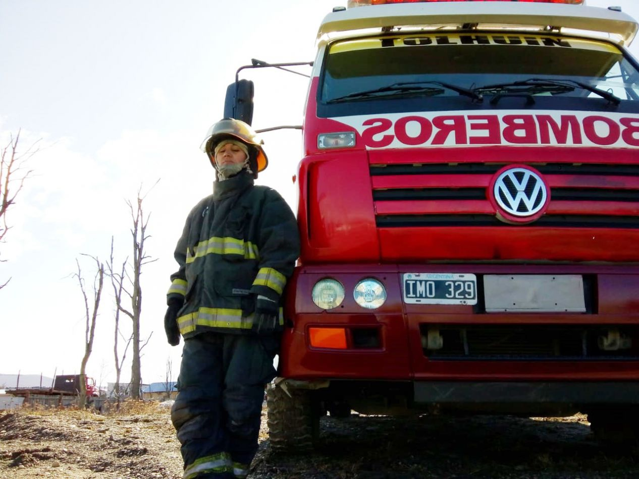 Vanesa Valdéz es la única mujer en el cuerpo de Bombero Voluntarios de la ciudad de Tolhuin.