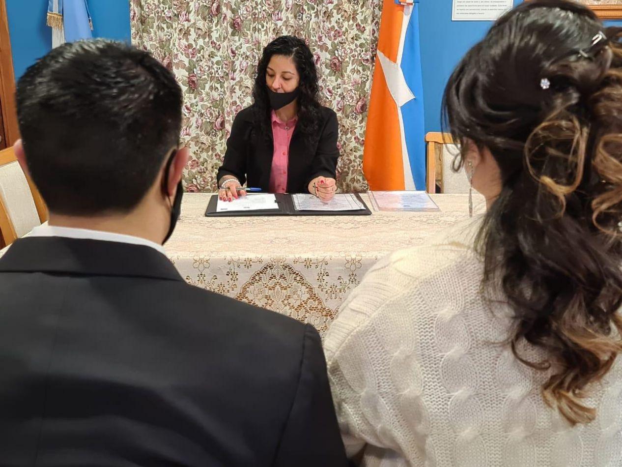 """El Espacio """"Pensar Malvinas"""" volvió a ser el escenario para celebrar los matrimonios en Ushuaia."""