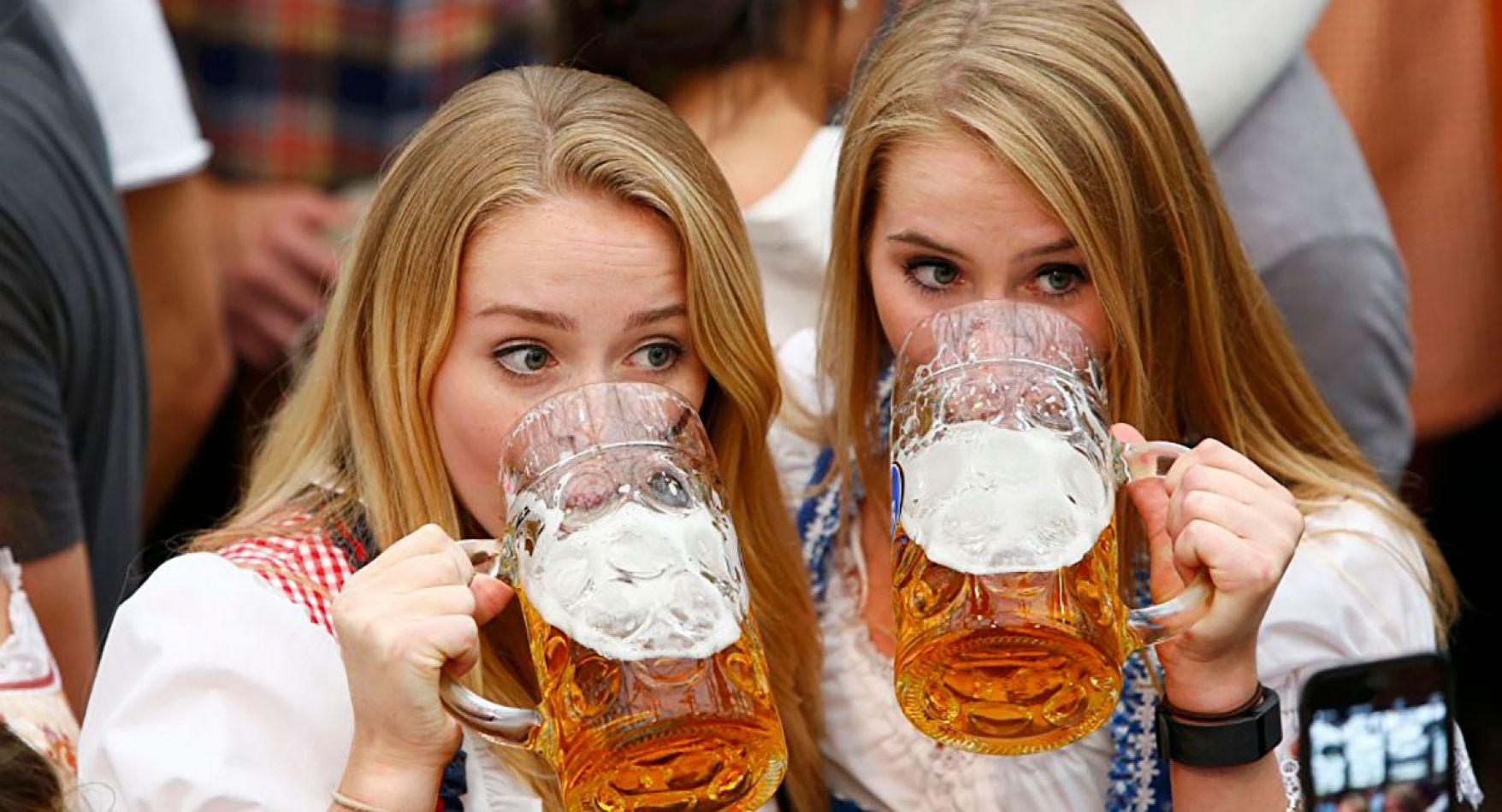 Beber cerveza podría ser mejor para elimiar las arrugas que las propias cremas