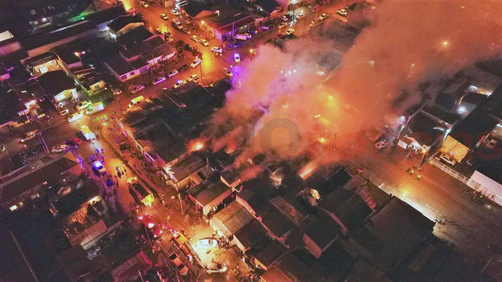 Imagen aérea del incendio. (Foto: Gentileza: Mighen Guzmán - 19640noticias)