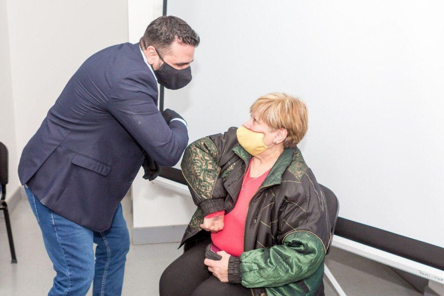 Vuoto participó de la jornada de acompañamiento del PAMI a Adultos Mayores