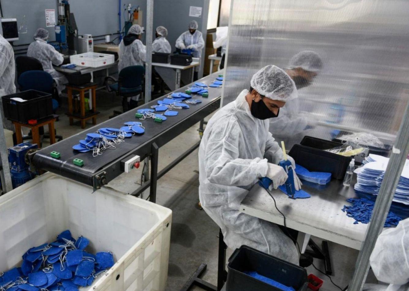 Alarma por la cantidad de positivos en las fábricas
