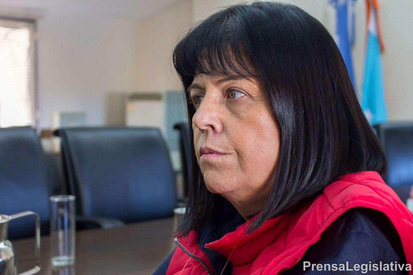 La legisladora Liliana Martínez Allende impulsará un proyecto de ley presentado por la Asociación Fueguina de Graduados en Nutrición.