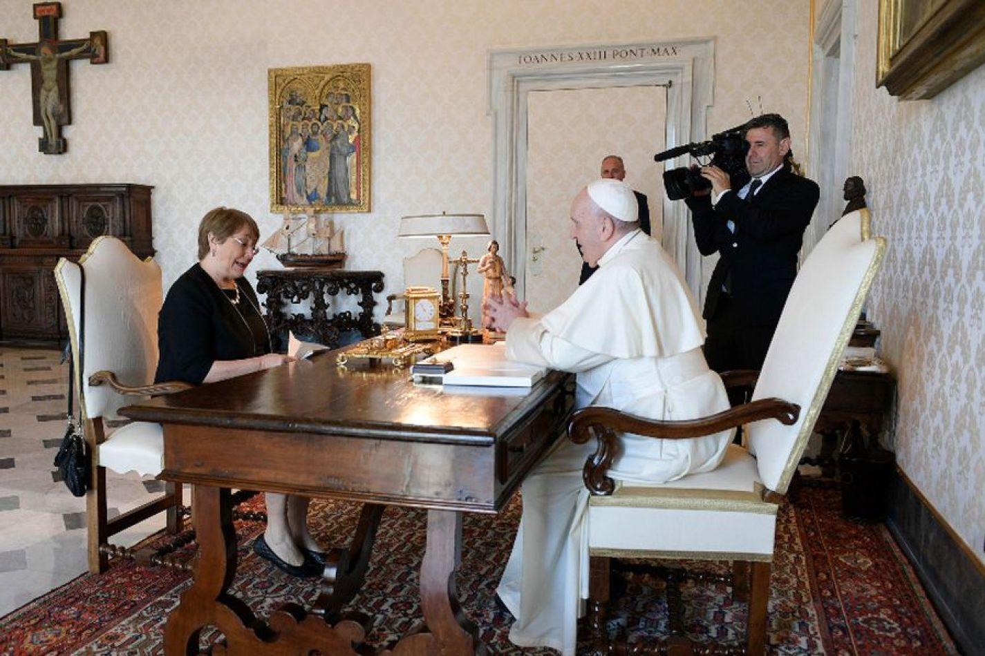El papa Francisco recibió a Bachelet