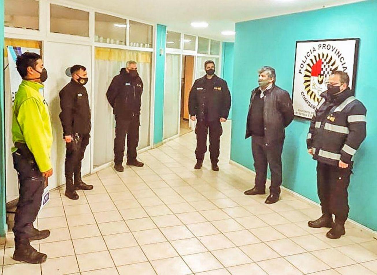 Reconocimiento a agentes policiales de Río Grande.