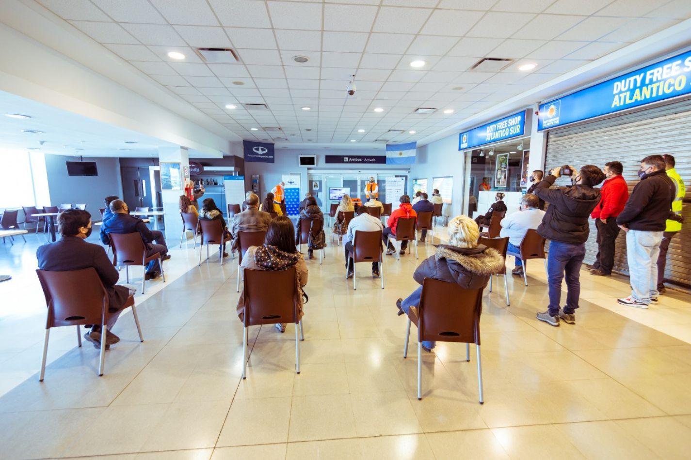 Funcionarios provinciales participaron de la presentación de los protocolos del Aeropuerto de Río Grande