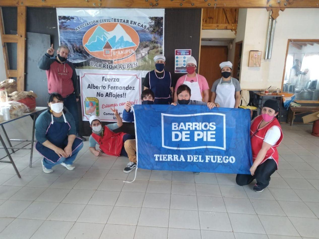 Somos Barrios de Pie volvió a repartir viandas en merenderos y comedores de la ciudad de Ushuaia.