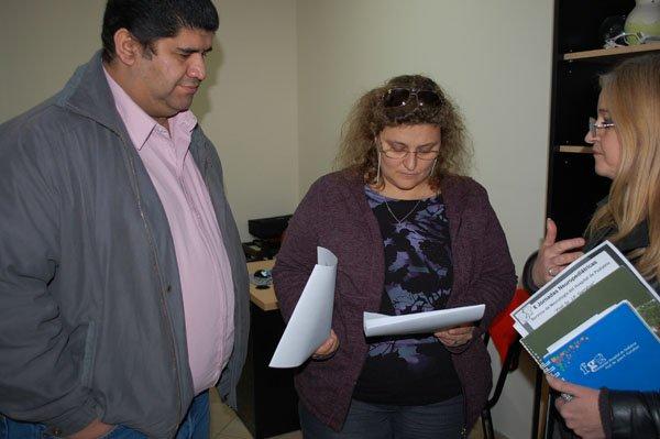 José Martinez, durante la coordinación del evento con funcionarios municipales.