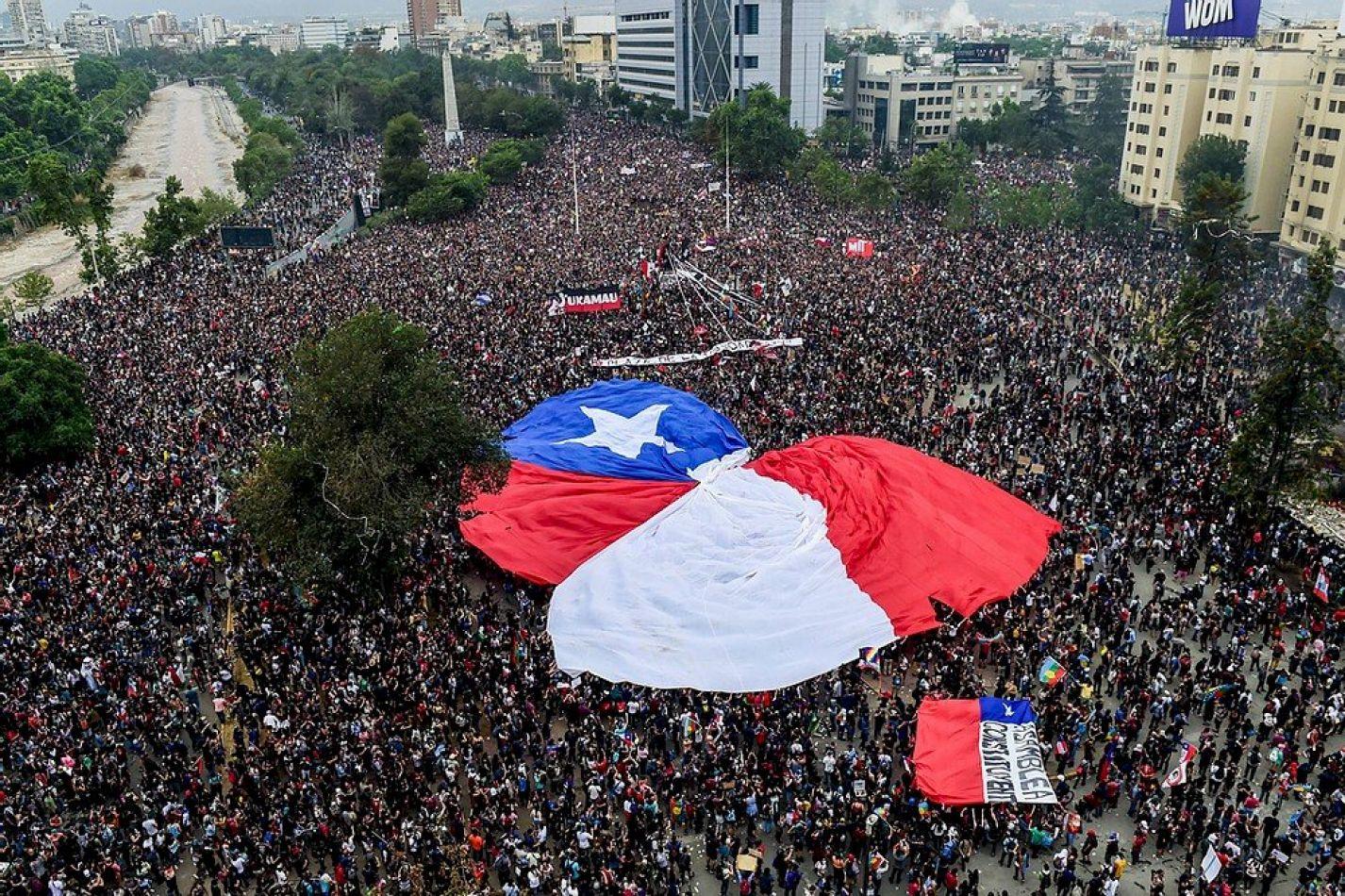Plebiscito en Chile: Clara tendencia a favor de reformar la Constitución