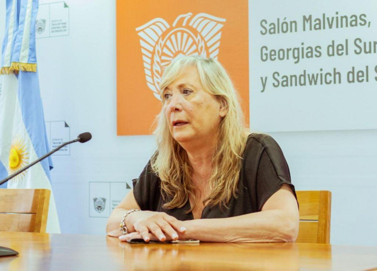 Ministra de Gobierno Justicia y Derechos Humanos, Adriana Chapperón .