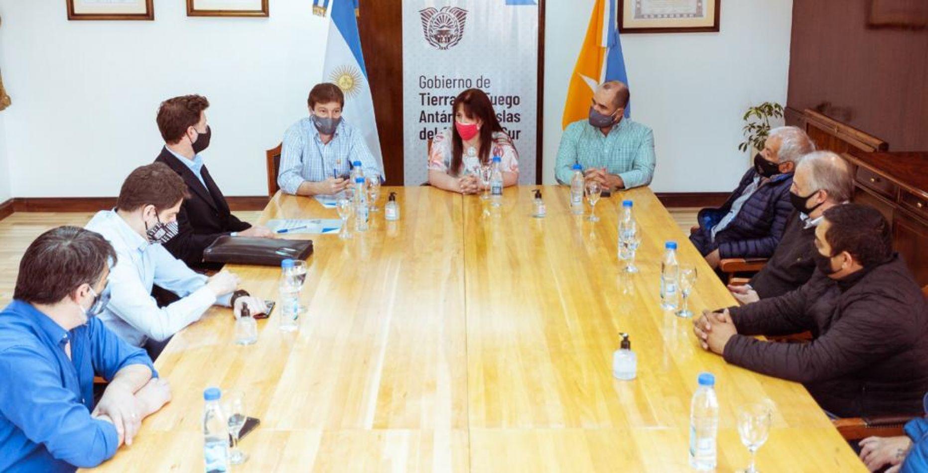Gobierno firmó contrato de la obra de interconexión de los Gasoductos Fueguinos y San Martín