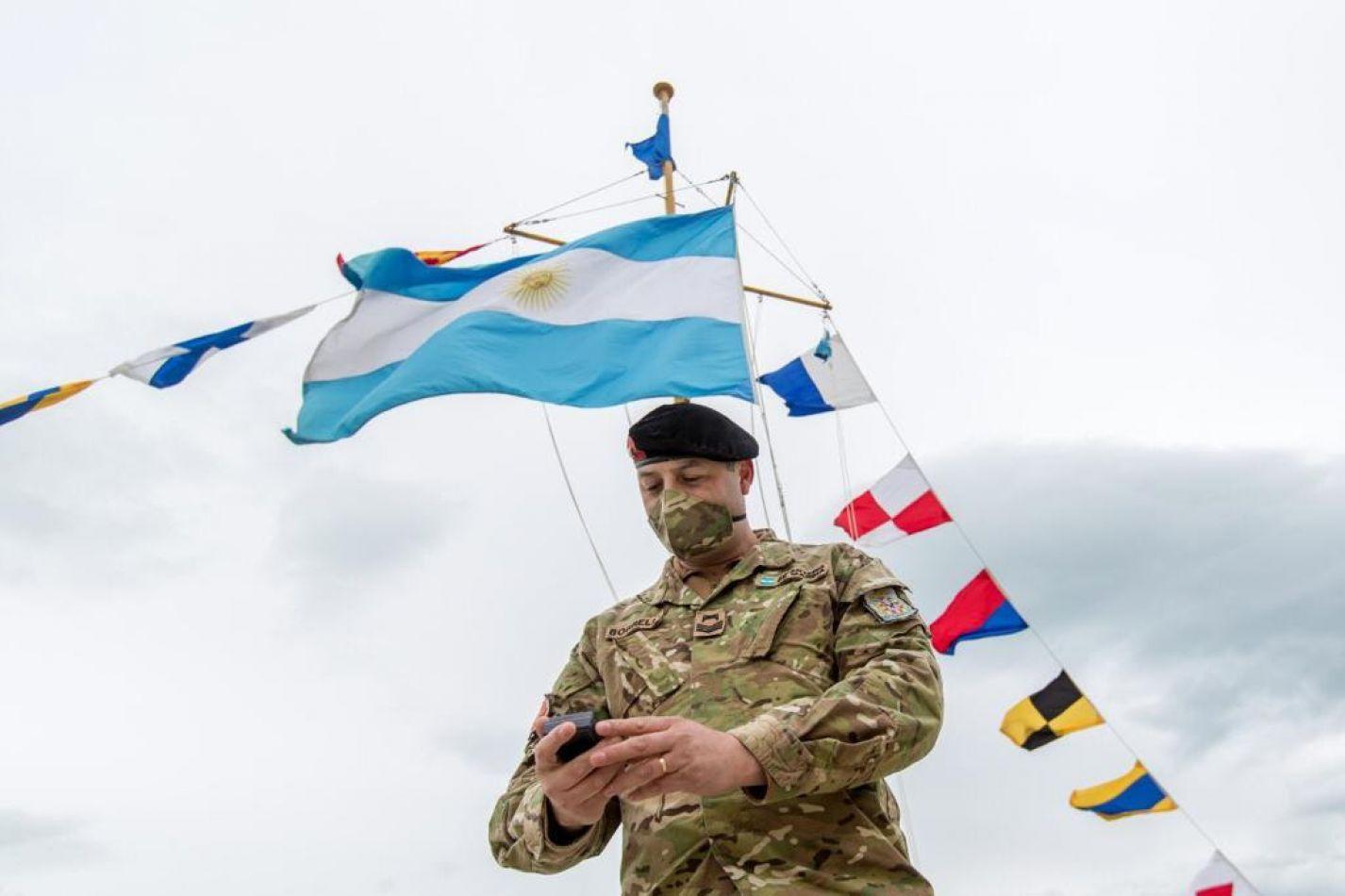 """Reconocen como """"Ciudadanos destacados"""" al personal de la Armada Argentina"""