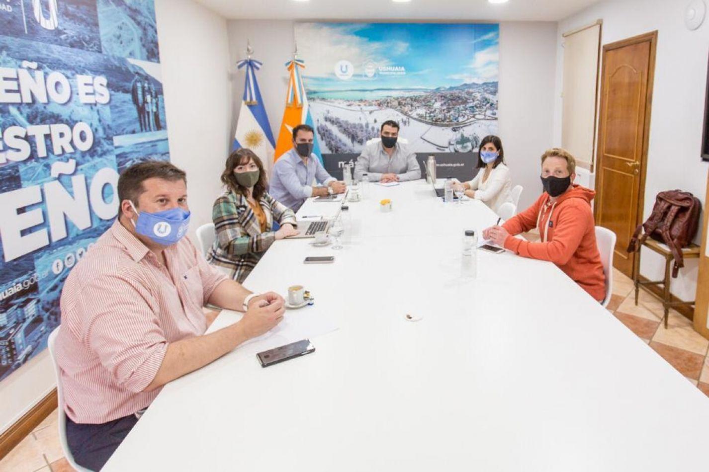 El intendente Walter Vuoto mantuvo una reunión de trabajo con el equipo económico y de producción de la Municipalidad de Ushuaia.