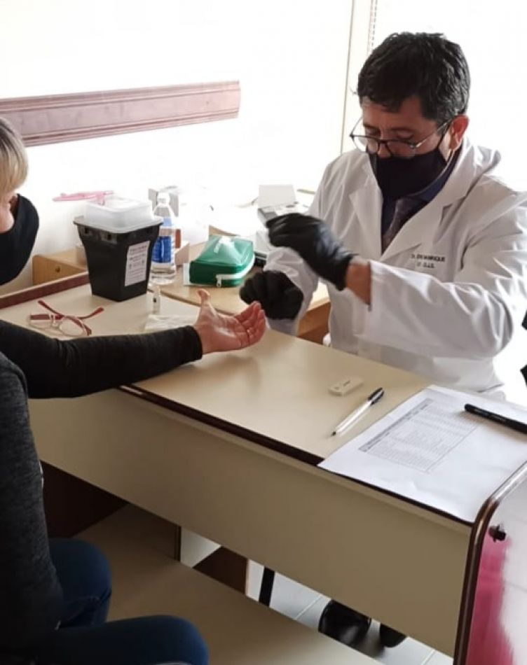 Realizan testeos rápidos como parte de cuidados ante el COVID-19