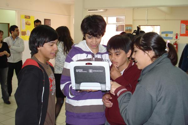 Los alumnos fueguinos ya recibieron sus netbooks.