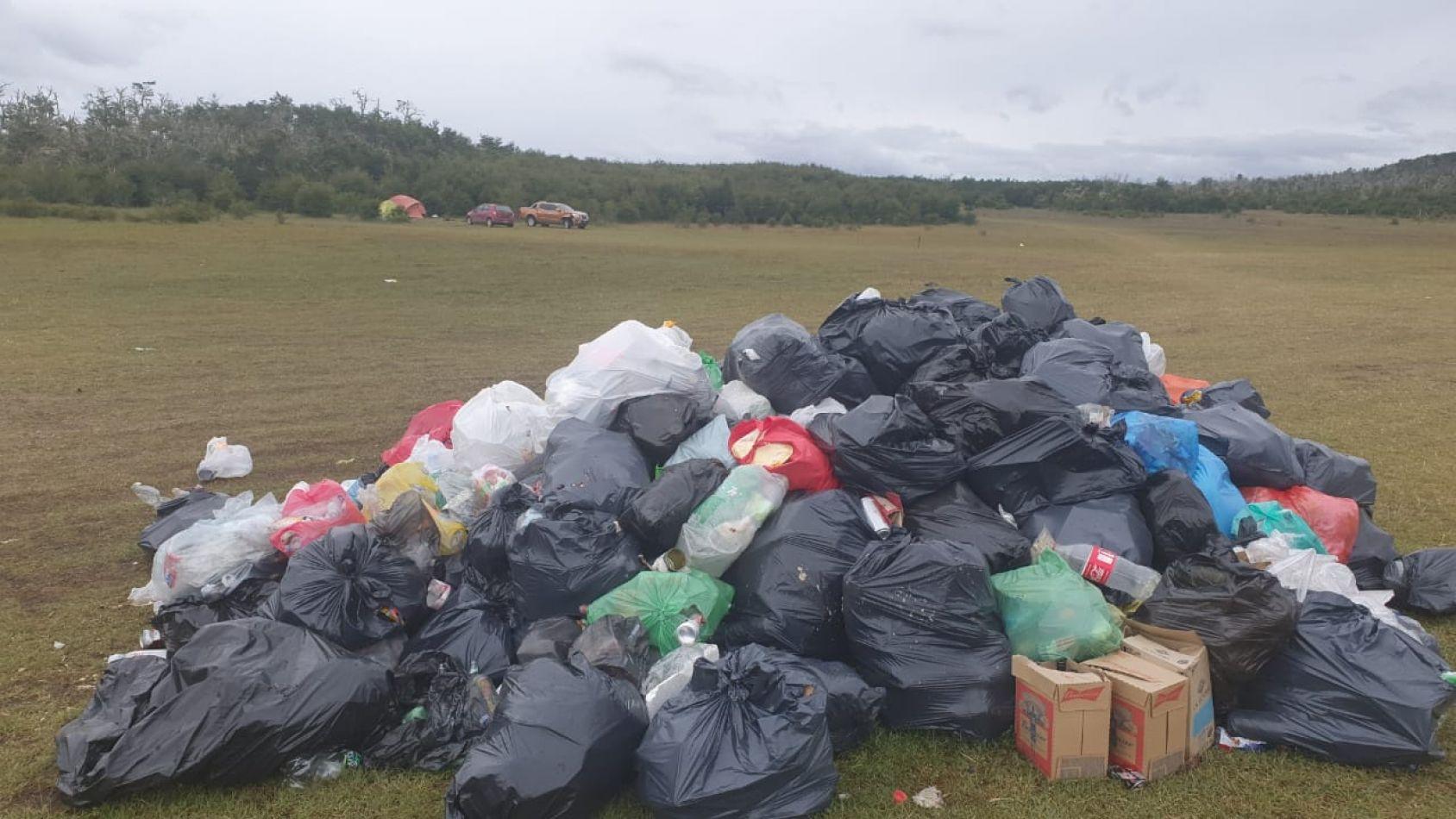 Municipios de Río Grande y Tolhuin coordinan saneamiento en Lago Yehuin