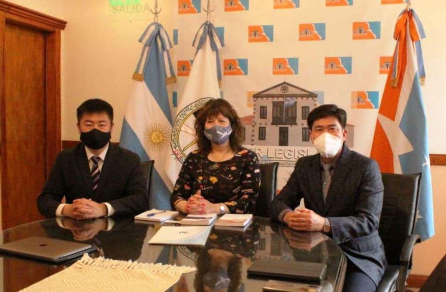 Urquiza recibió al Presidente de la IYF en Argentina