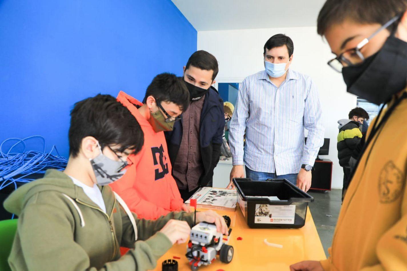 Colonias Tecnológicas: Una propuesta que vincula a los jóvenes con la industria del conocimiento