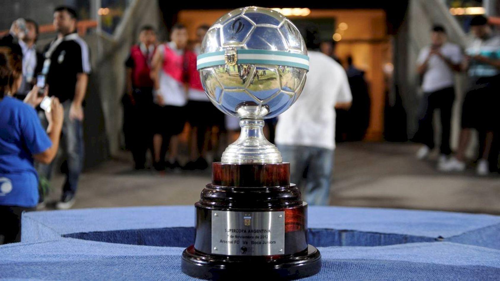 Se trata del partido que debían disputar el campeón del Torneo 2019 y el ganador de la Copa Argentina de ese mismo año, y fue pospuesto por la pandemi