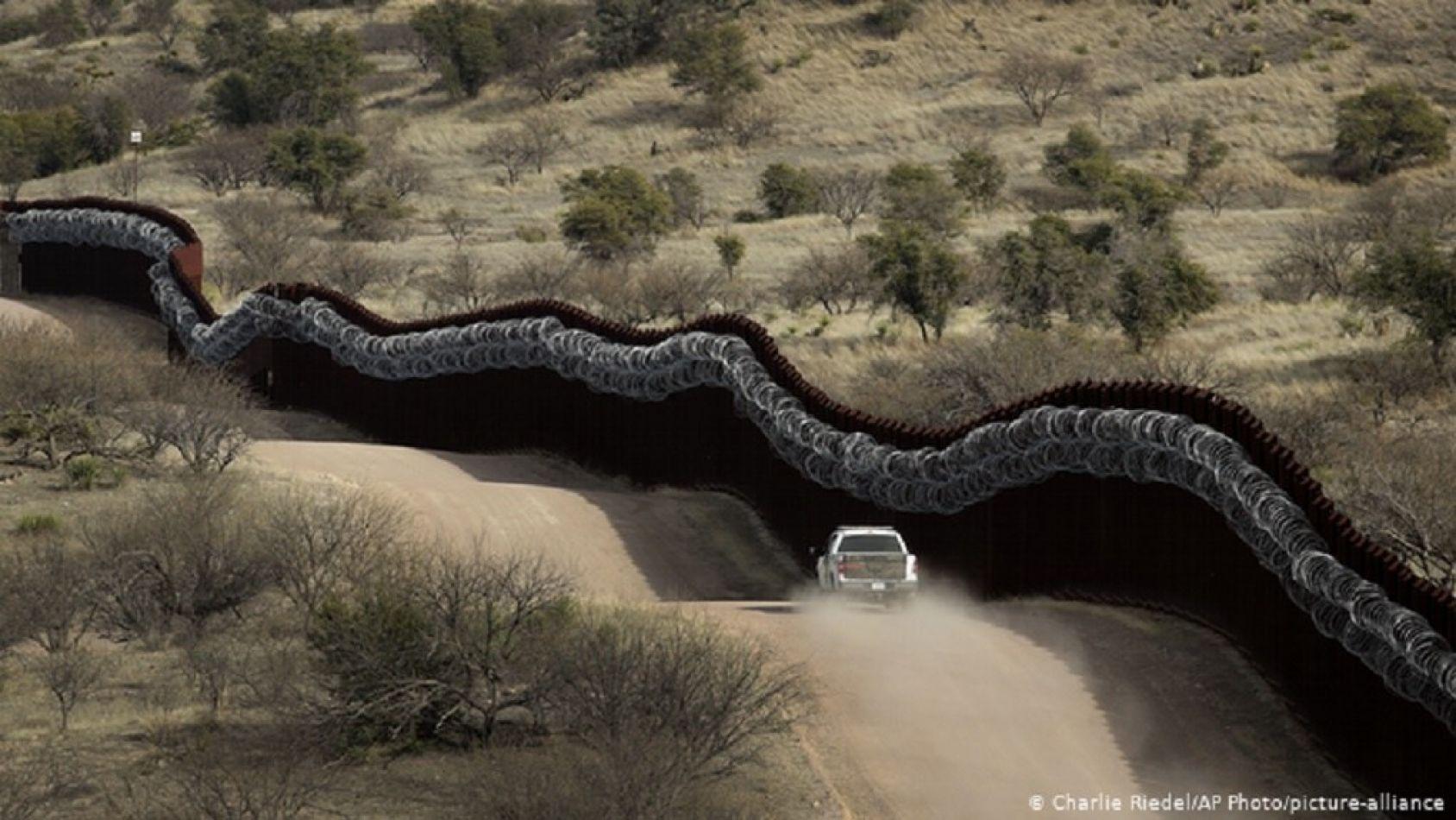 México aplaude suspensión de muro fronterizo decretada por Joe Biden