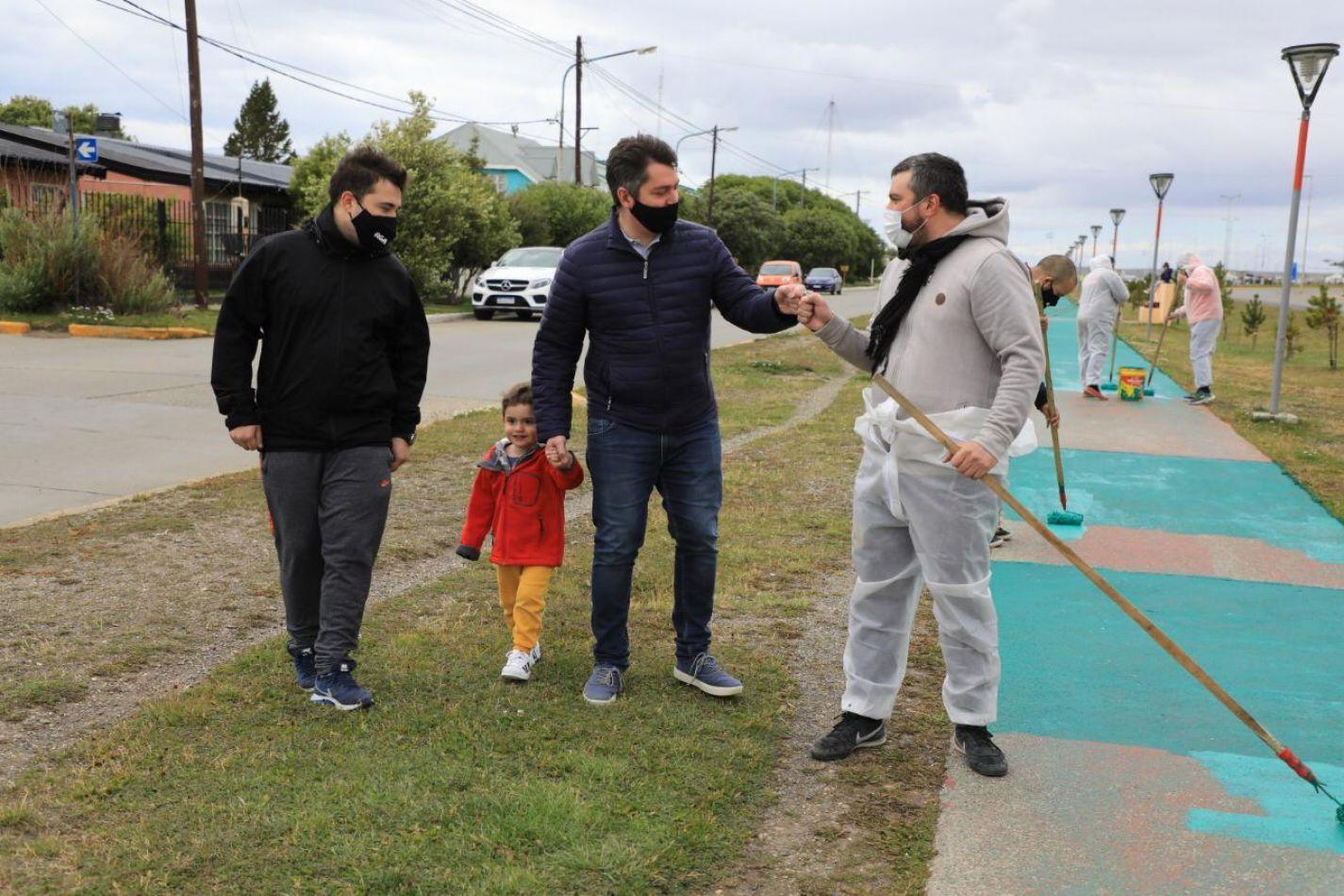 Martín Perez, recorriendo las distintas zonas donde se desarrolla los trabajos de embellecimiento.