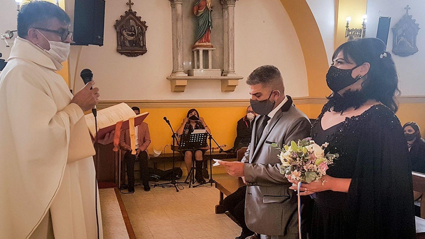 La Diócesis no autorizó la ceremonia por la unión entre Victoria Castro y Pablo López Silva.