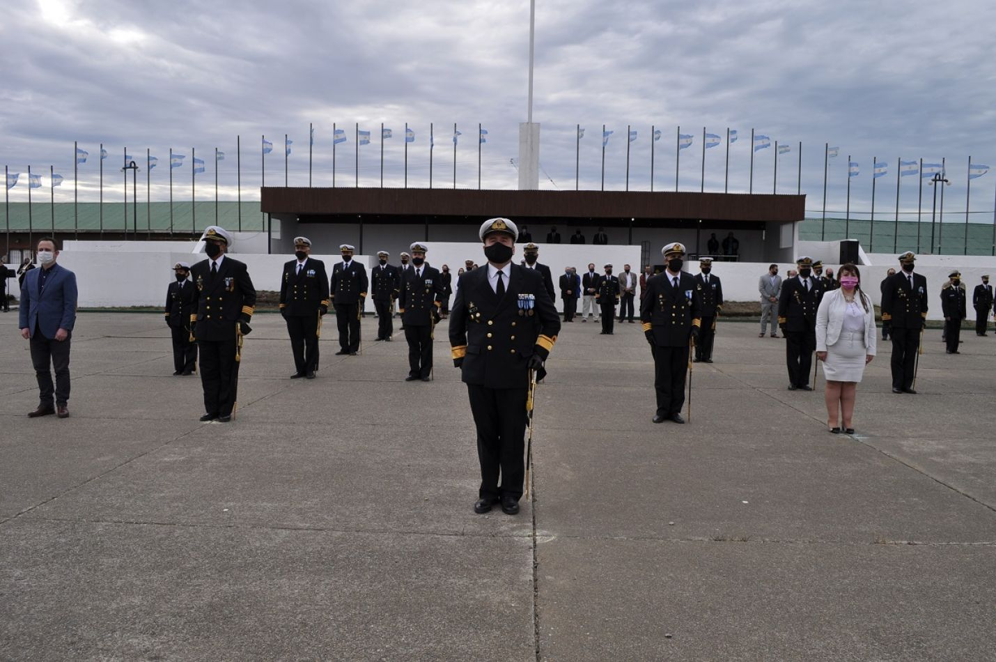El Comandante de la Infantería de Marina, Contraalmirante IM Guillermo Pablo Ríos.