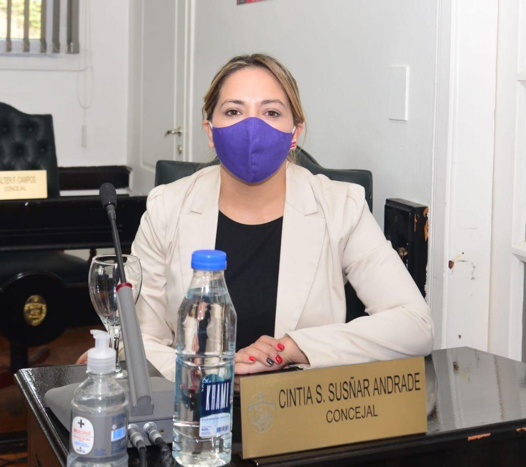 Cintia Susñar, concejal de la ciudad de Río Grande.