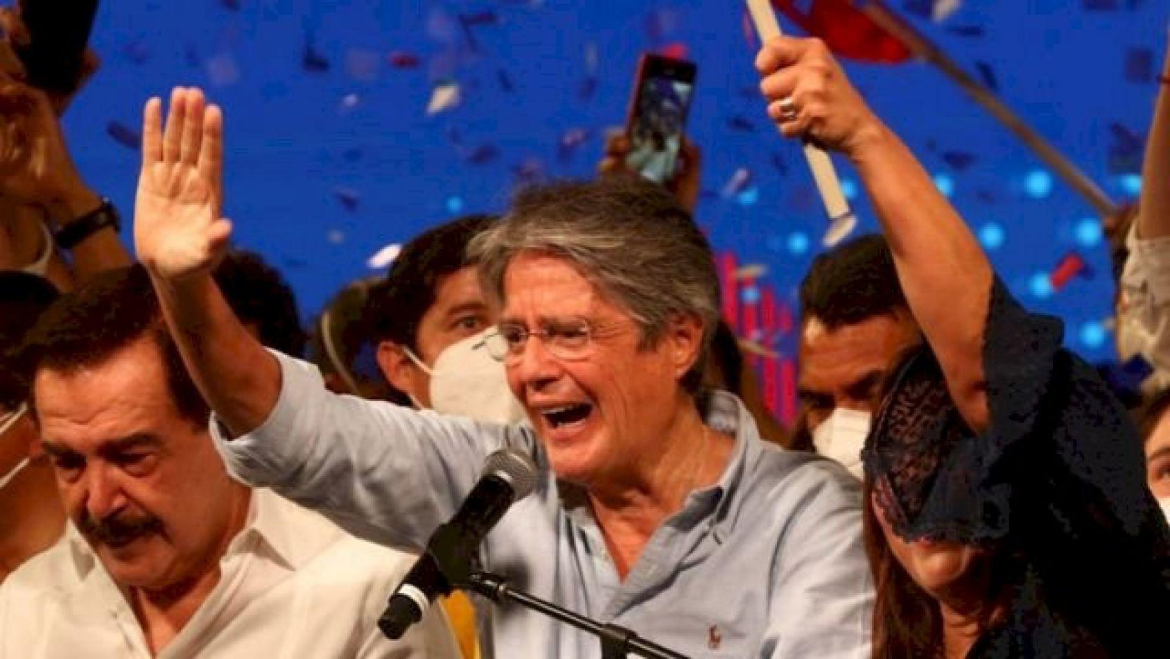 El exbanquero Guillermo Lasso fue elegido este domingo como nuevo presidente de Ecuador
